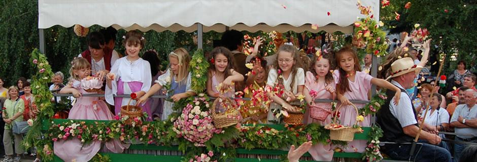 Szőregi Rózsaünnep - Rózsaünnepi felvonulás